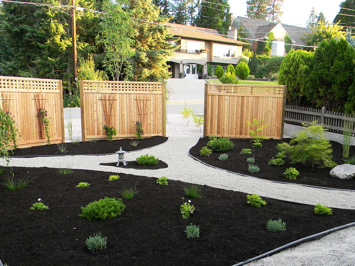 Achenbach garden after planting